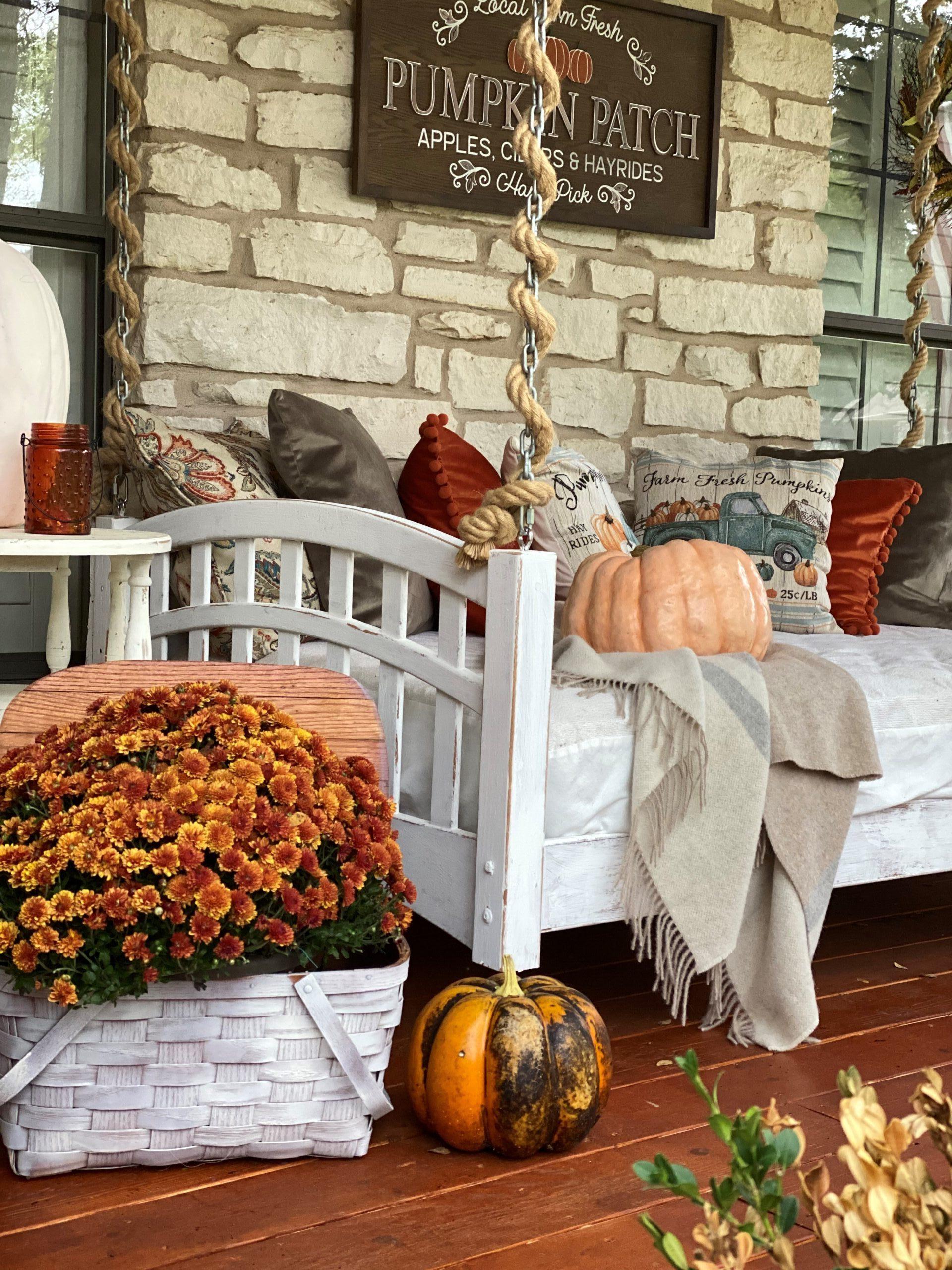 Halloween Front Porch Decorations, Vintage Rustic Front Porch, Pumpkin Patch